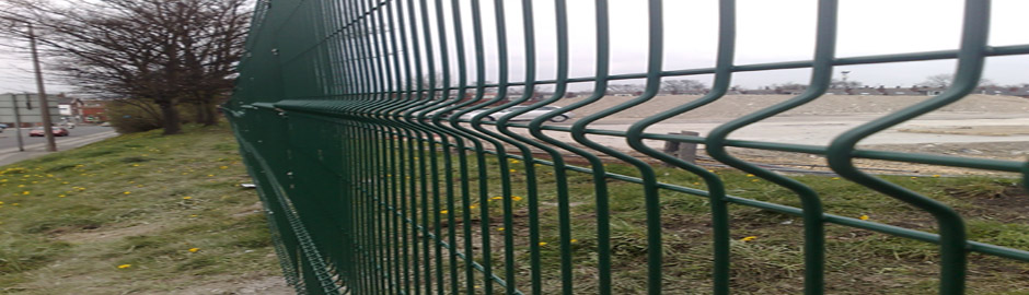 Single Wire Profile Mesh 653 at site in Leeds
